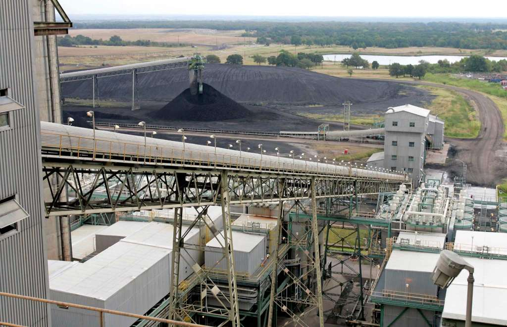 Coal conveyor belt (AP Photo / David J. Phillip)