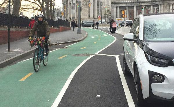 New York City bikeway (Photo: David Meyer | Streetsblog NYC)