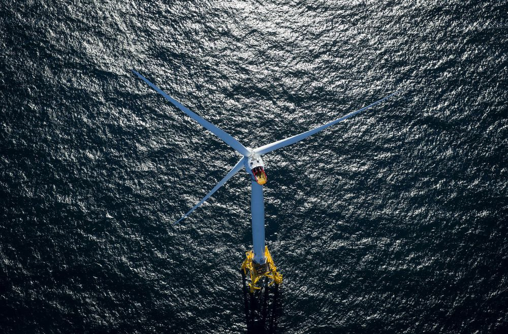 Block Island wind turbine (Photo: Eric Thayer / Bloomberg)
