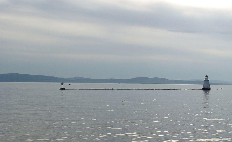 Lake Champlain (Aaron danielg, Wikimedia Commons)