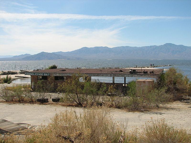 Abandoned Salton Sea bait shop (Conn, Kit   Wikimedia Commons)
