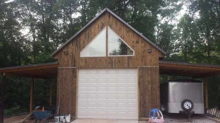 Custom Built Garage (10)