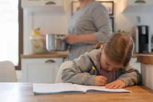 Uusi digipalvelu auttaa perheitää