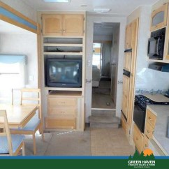 Green Chair 2005 Trailer Bedroom Desk 30 39 Fifth Wheel Carriage Compass Haven