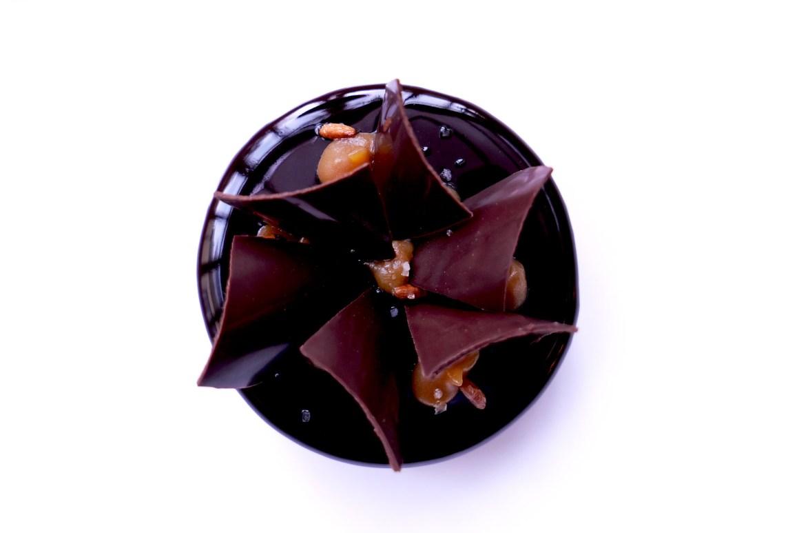 """""""Chocolat Laguna, Fumé au cacao"""". Le Clair de la Plume"""