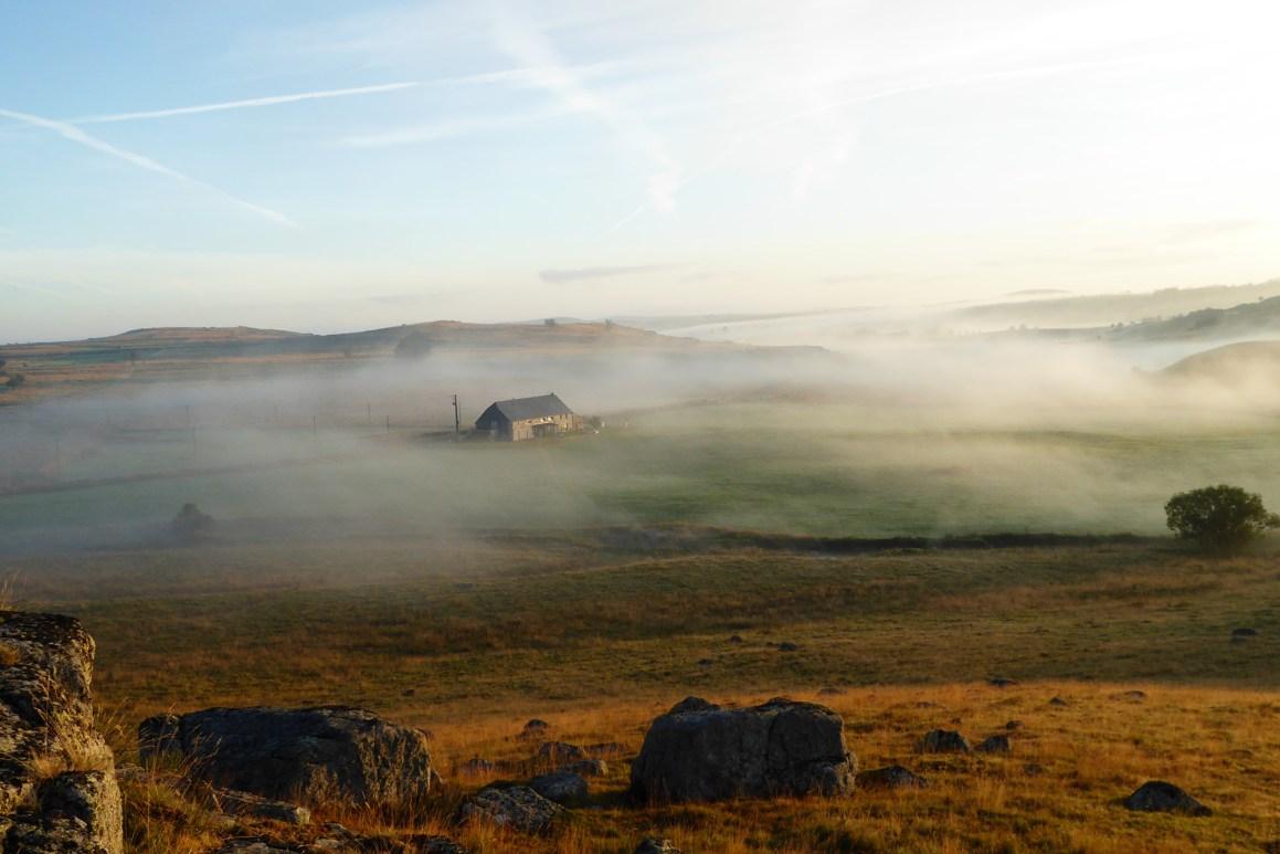 La Borie de l'Aubrac dans la brume. © La Borie de l'Aubrac