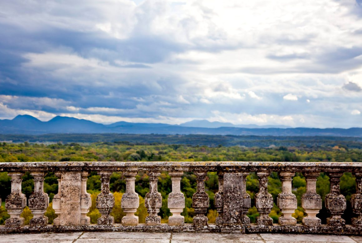 Vue, château de Grignan, dans la Drôme.