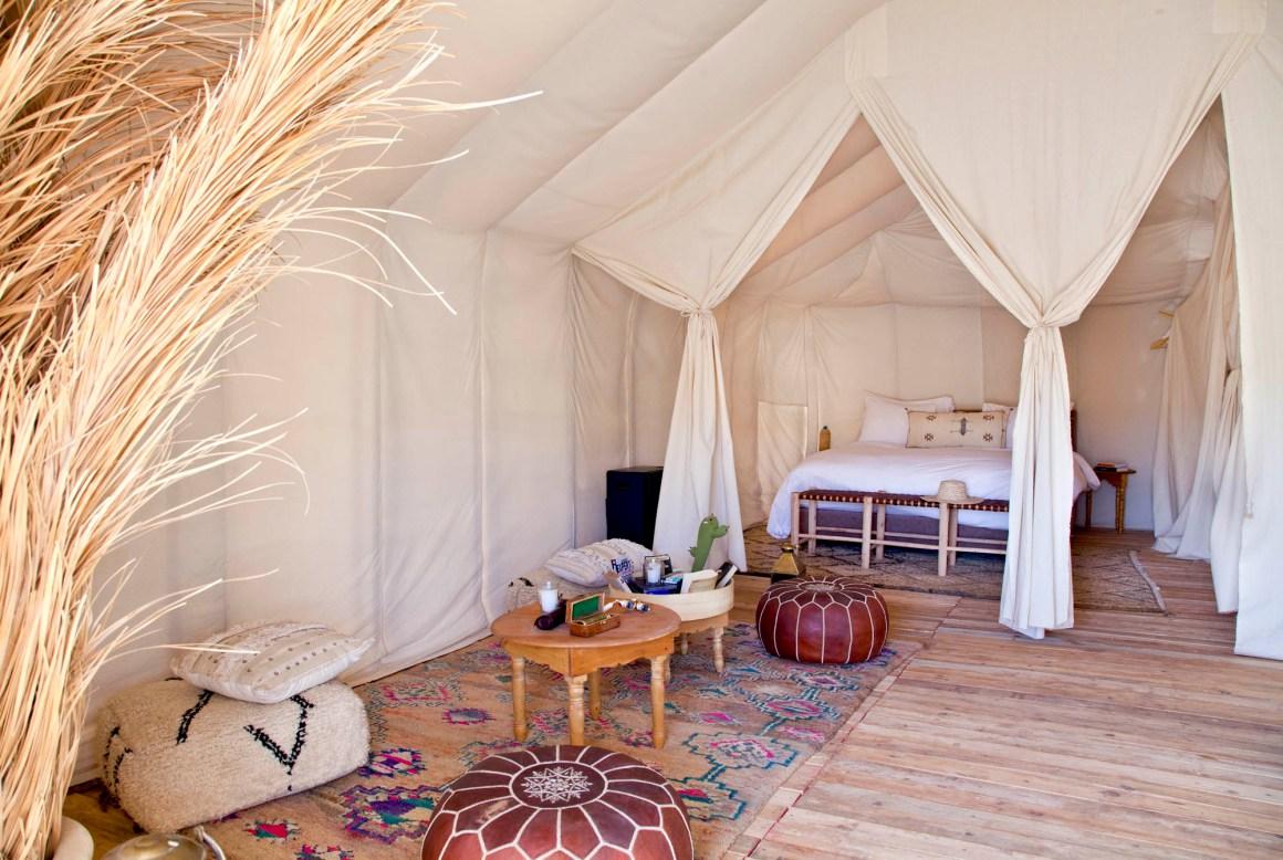 L'intérieur de la tente, Umnya Dune Camp, Maroc. © Elodie Rothan