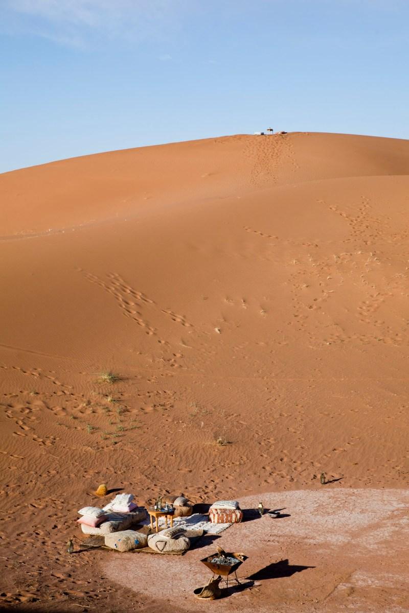 Le spot en haut des dunes, Umnya Dune Camp, Maroc. © Elodie Rothan