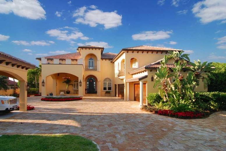 Custom Home Built in Bradenton by GreenLife Luxury Homes