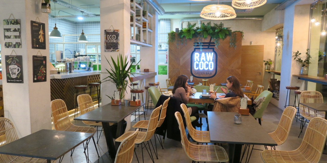 RAWCOCO in Madrid! A bright space with 100% organic juices and food