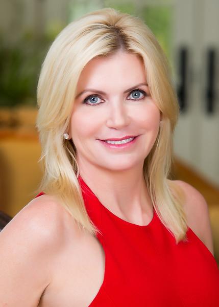 Elizabeth-Stavola-Chief-Strategy-Officer-and-Director-iAnthus-.jpg?fit=429%2C600&ssl=1