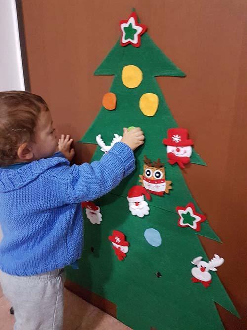 Potreste pensare di creare degli alberi di natale in feltro o pannolenci per. Albero Di Natale In Feltro E Pannolenci Occorrente E Tutorial Video Greenme
