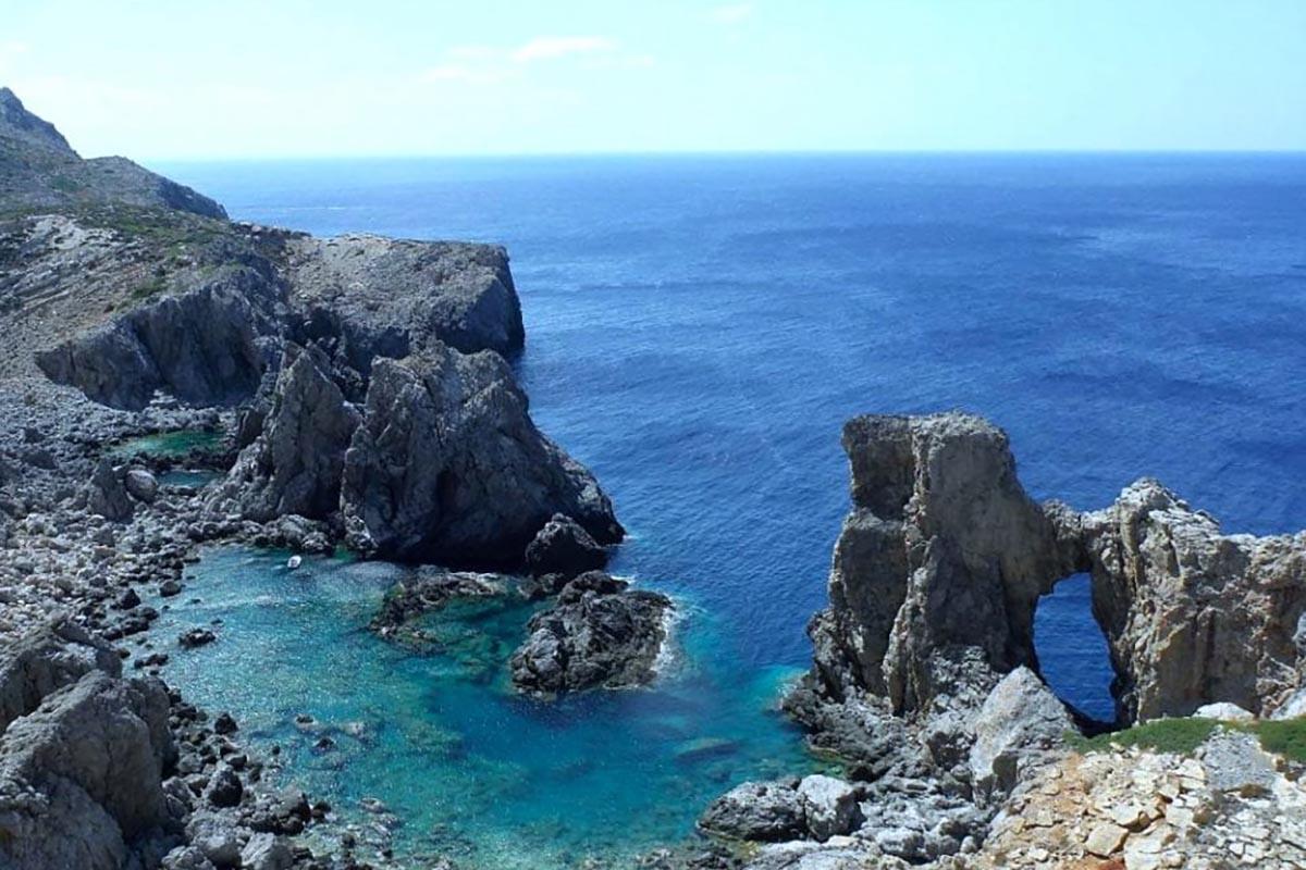 AAA cercasi abitanti per Anticitera splendida isola