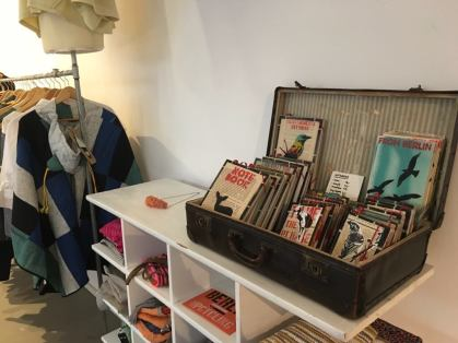 Podcast - Upcycling Fashion Store Berlin / Suitcase