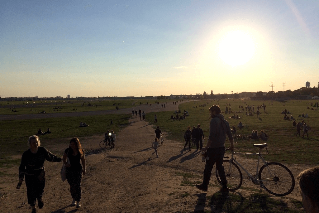 Cycling Berlin | Tempelhofer Feld