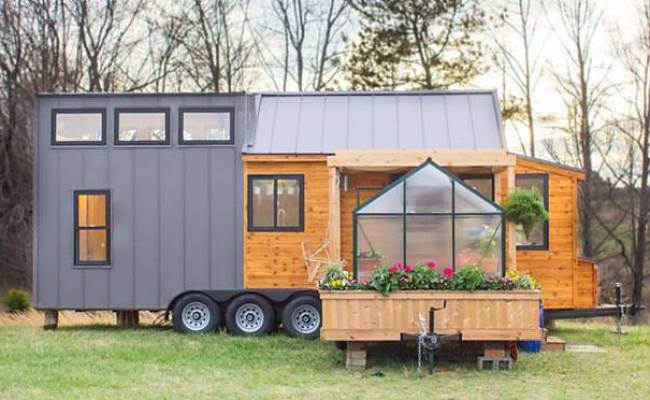 This Tiny House Comes With It S Own Greenhouse