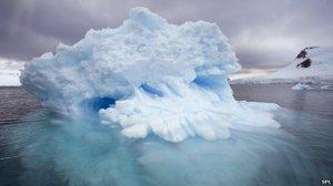 _67671645_c0150529-antarctic_iceberg-spl