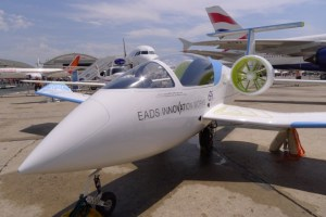 E-Fan Electric Plane Unveiled at Paris Air Show