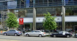 Dealer Associations Want Tesla Motors to Close Stores Like This