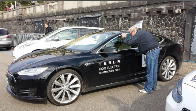 Tesla Model S, Germany Says OK