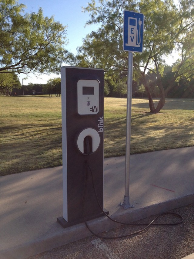 Blink Network soon to feature Tesla Motors charge couplers