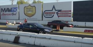 tesla-model-s-drag-race