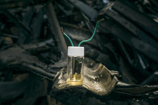 scrap-metal-diy-battery