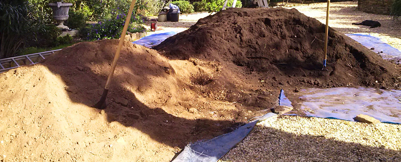 Green Parrot Gardens | Ask the Garden Consultants | Compost and Soil