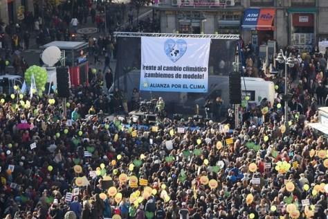 Madrid acoge la mayor marcha por el clima de su historia