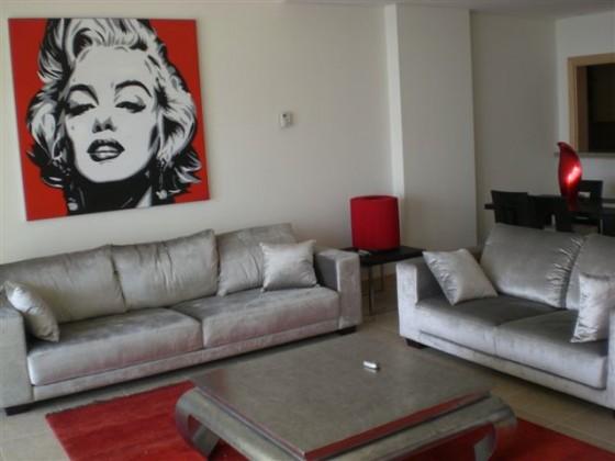 Marilyn Monroe And The Salon of Beauty In Dubai  Green