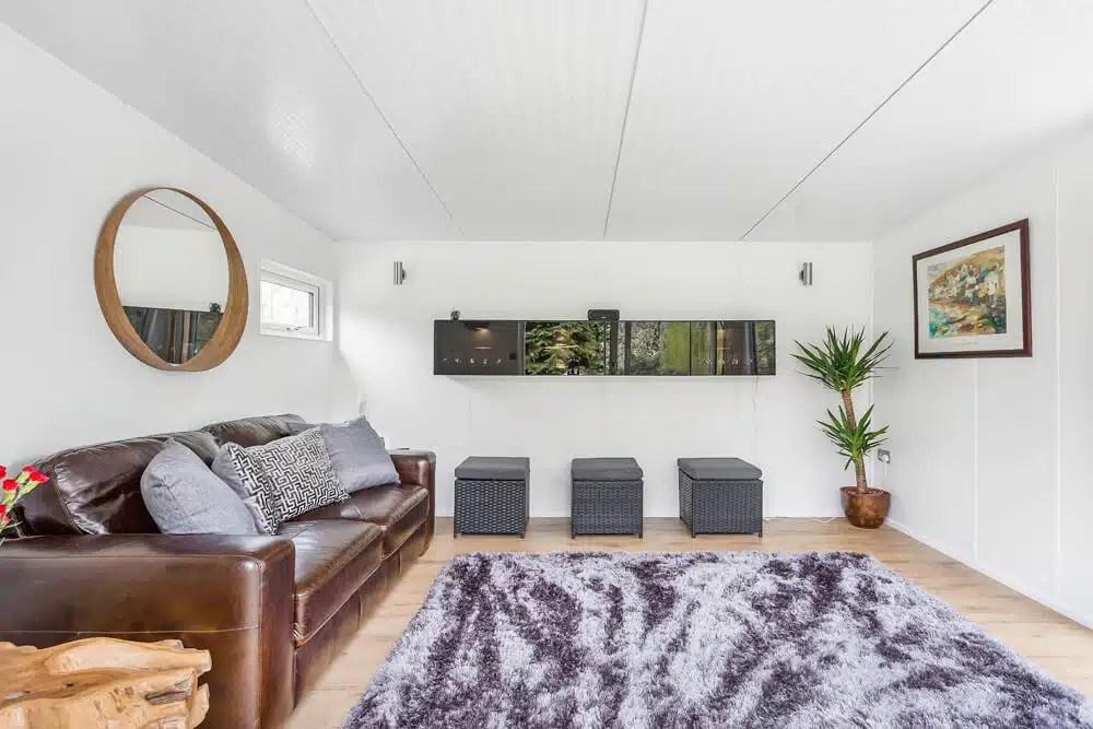 4m X 3 5m Lounge Room Set In Large Garden Green Retreats