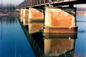 Ponti sul Po - Al lavoro sul fiume...