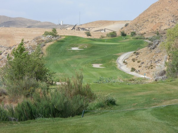 Dos Lagos Golf Club Corona, California. Hole 16 from Tee Box