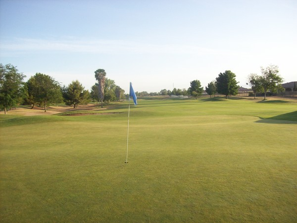 Pheasant Run Golf Course Chowchilla California Hole 2 green-side