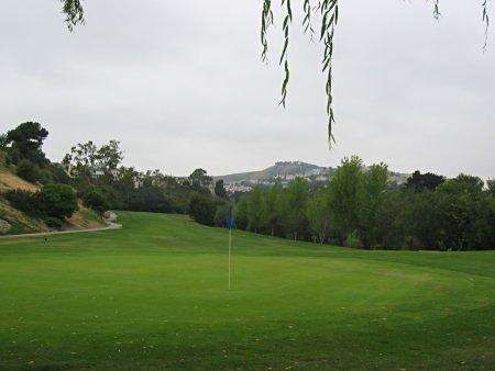 Shorecliffs Golf Club - Hole 1 view from greenside