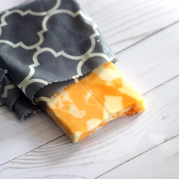 DIY Beeswax Food Wraps –   Plastic Wrap Alternative
