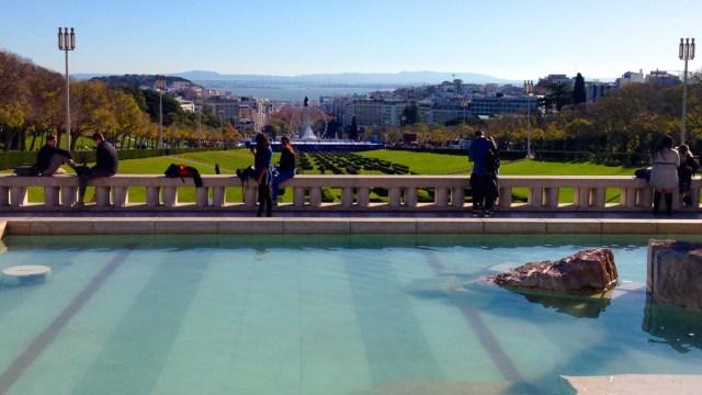 Der Miradouro Parque Eduardo VII am oberen Ende des gleichnamigen Parks im Príncipe Real in Lissabon.