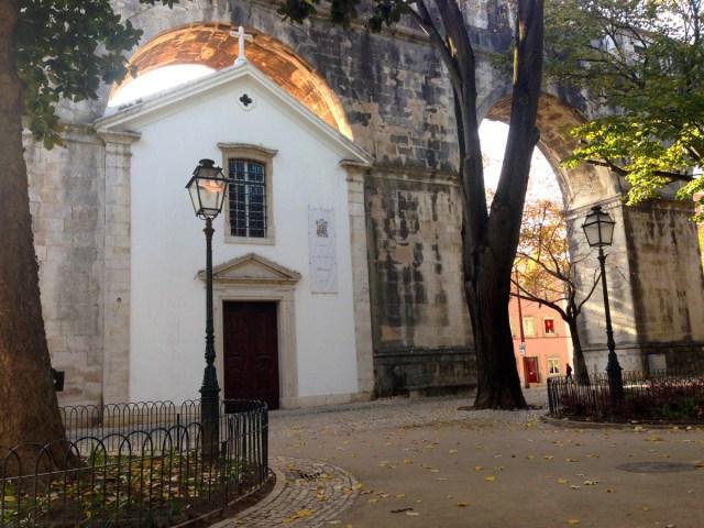 Die Kapelle 'Nossa Senhora de Monserrate' im Jardim das Amoreiras im Largo do Rato in Lissabon.
