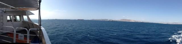 Bald ist es soweit: Ankunft auf der Insel Ägina nach einer guten Stunde Überfahrt von Piräus (Griechenland, 20.09.2020).