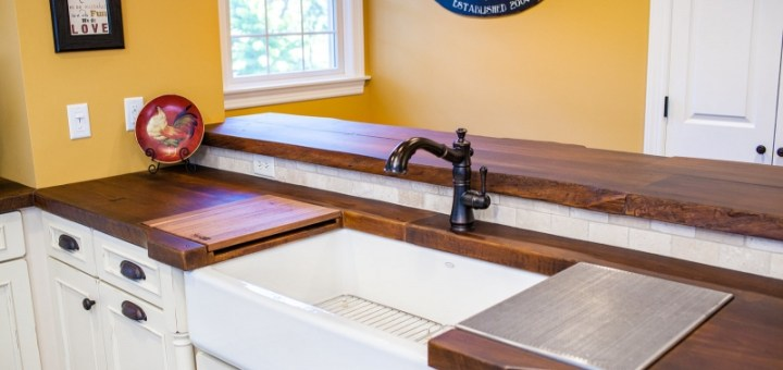 woodform-concrete-countertop-in-reclaimed-plank