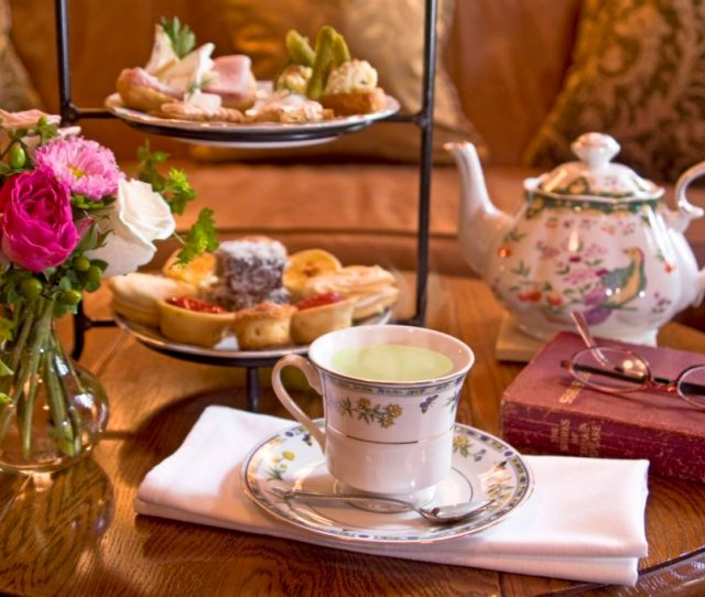 Afternoon Tea In The Social Lobby Of O Henry Hotel Mother Daughter Tea At