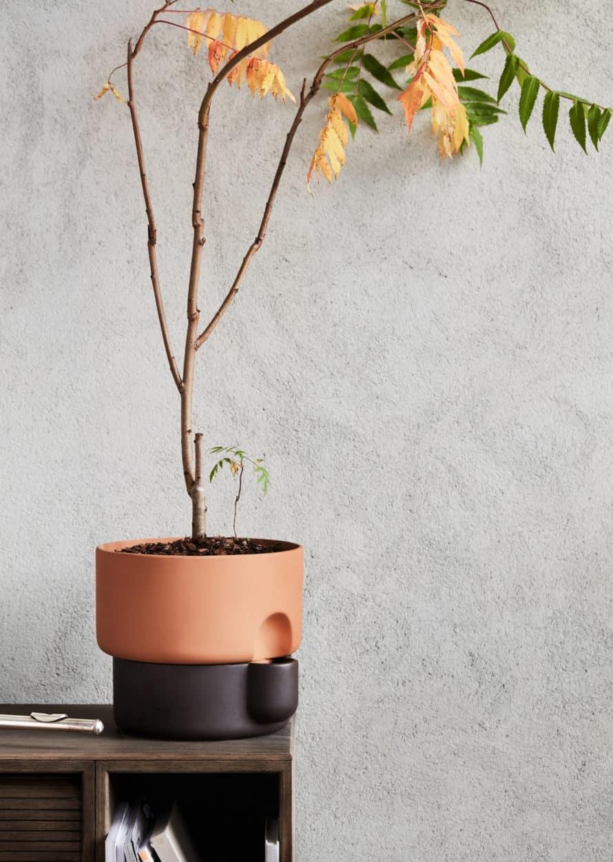 Oasis self-watering flower pot designed by Ann Kristin Einarsen