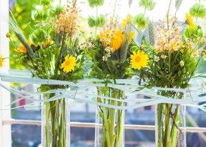 Vazentrio met zonnebloemen