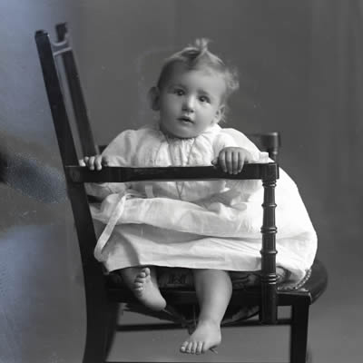 Baby in 1914 - Dr. D. L. Smith's Baby Hospital, Saluda, NC – Greetings from the Past