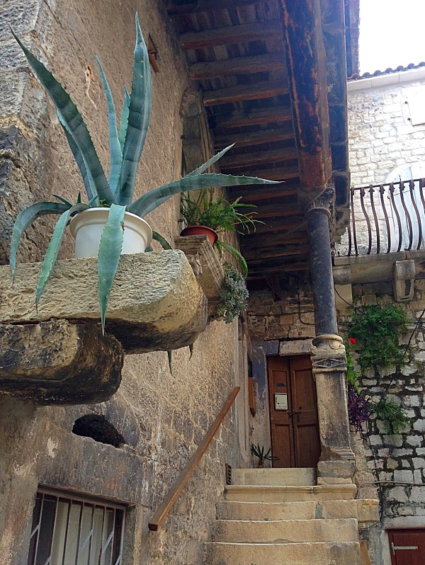 Quirky architecture, Trogir