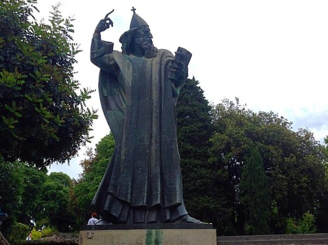 Gregorius of Nin statue, Split