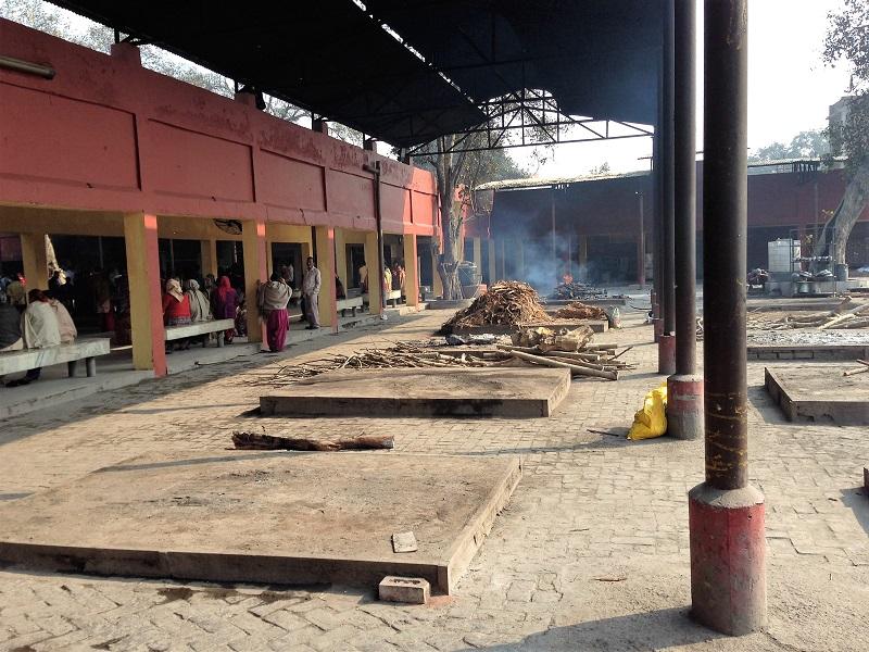 Raised concrete cremation beds