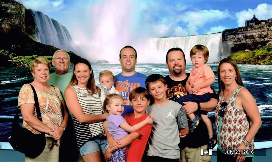 Niagara Falls Family Photo 2016
