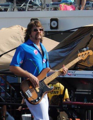 GLee w/YRR on the Weezer Cruise, 2013
